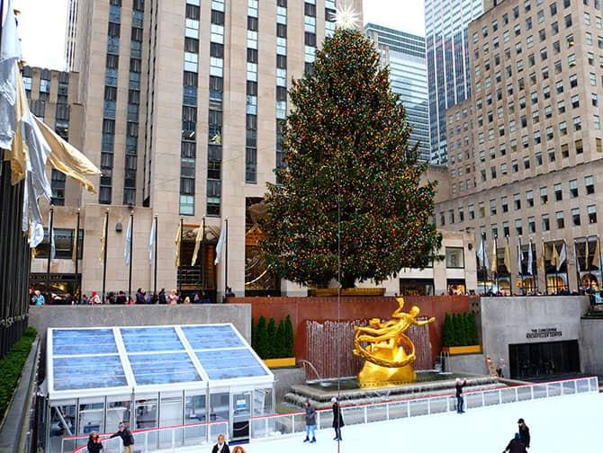 Skating in New York - Rockefeller Rink
