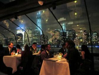 Bateuax Dinner Cruise in New York - views