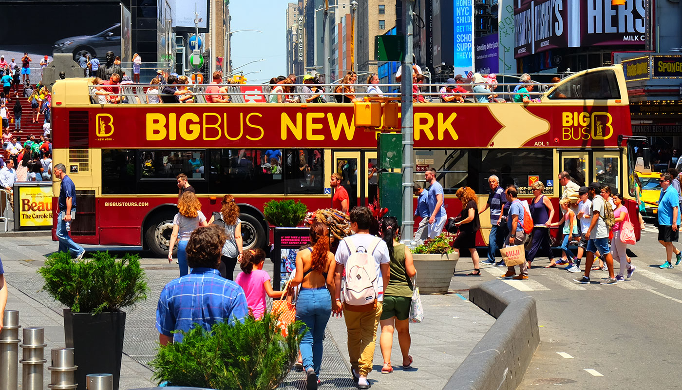 Big Bus in New York - Crossing Times Square