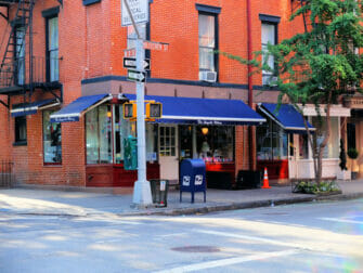 Best Cupcakes in New York - Magnolia Bakery