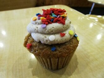 Best Cupcakes in New York -Molly's Cupcakes cake
