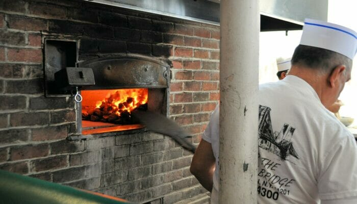 Pizza Tour in Brooklyn and Coney Island - Oven