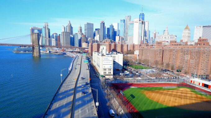 View Manhattan Bridge – Zoom