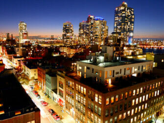 Williamsburg in Brooklyn - Night at Rooftop