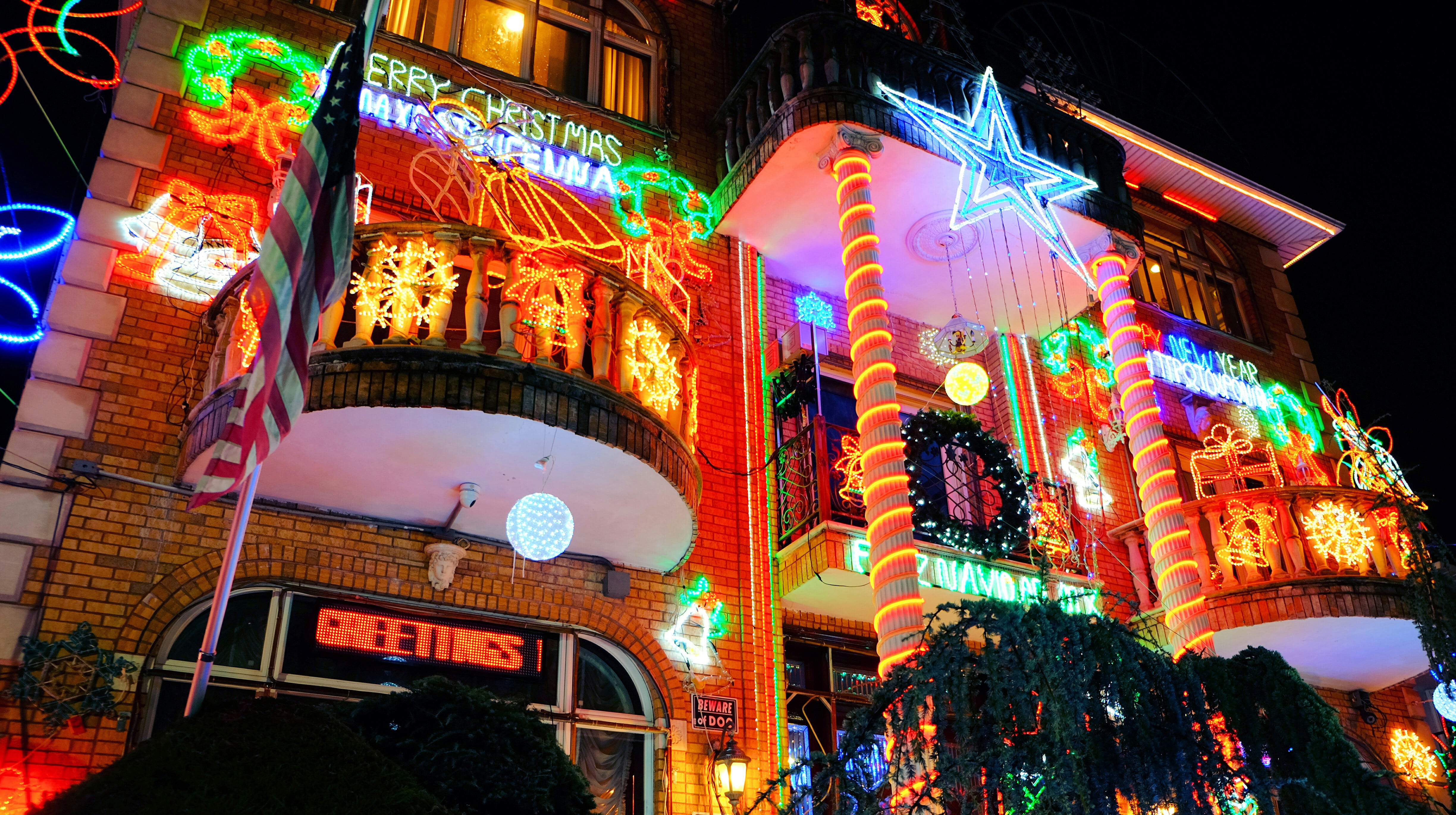 Dyker Heights Christmas Lights – High Quality Wallpaper