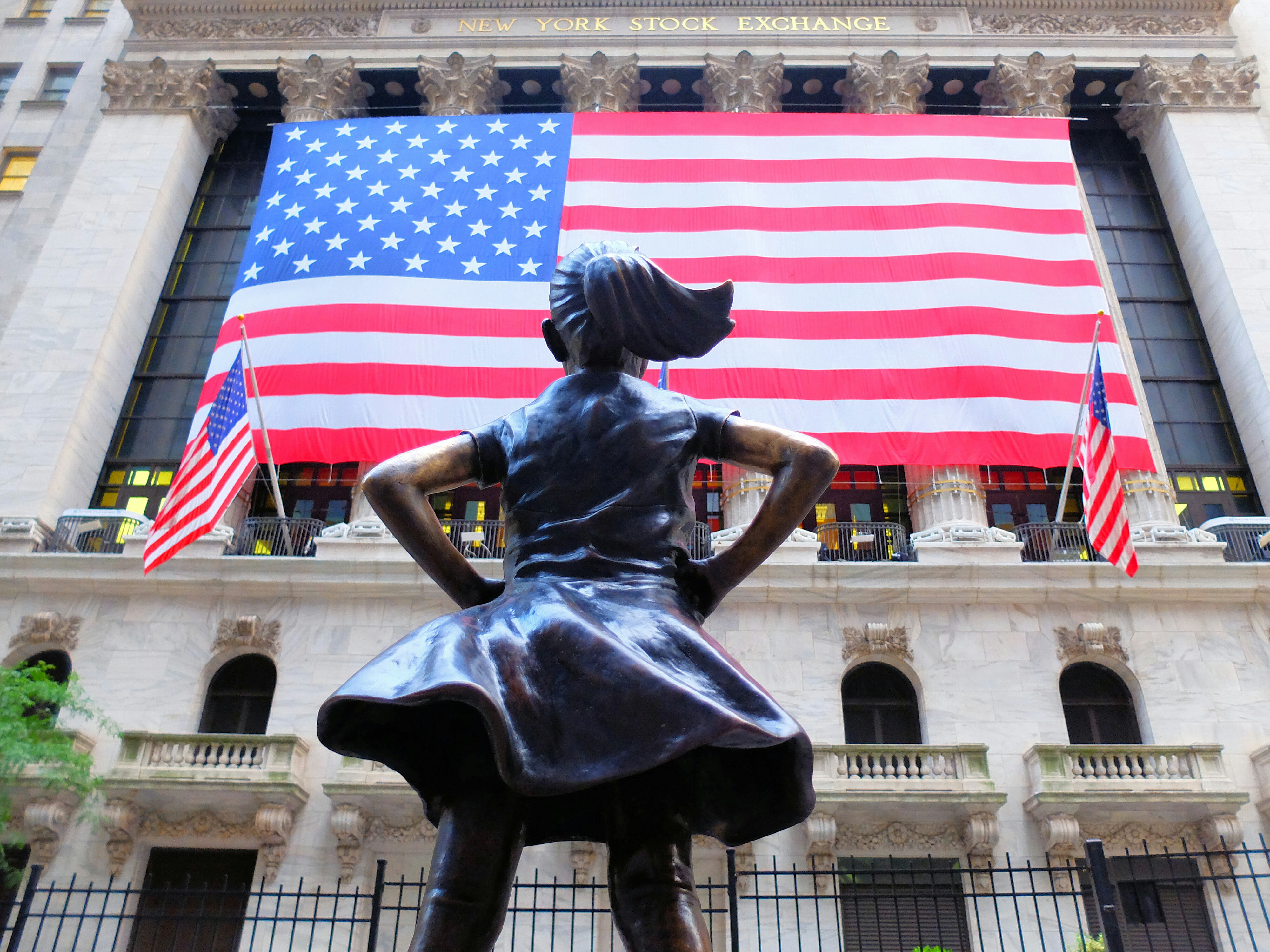 Fearless Girl in New York – High Quality Wallpaper