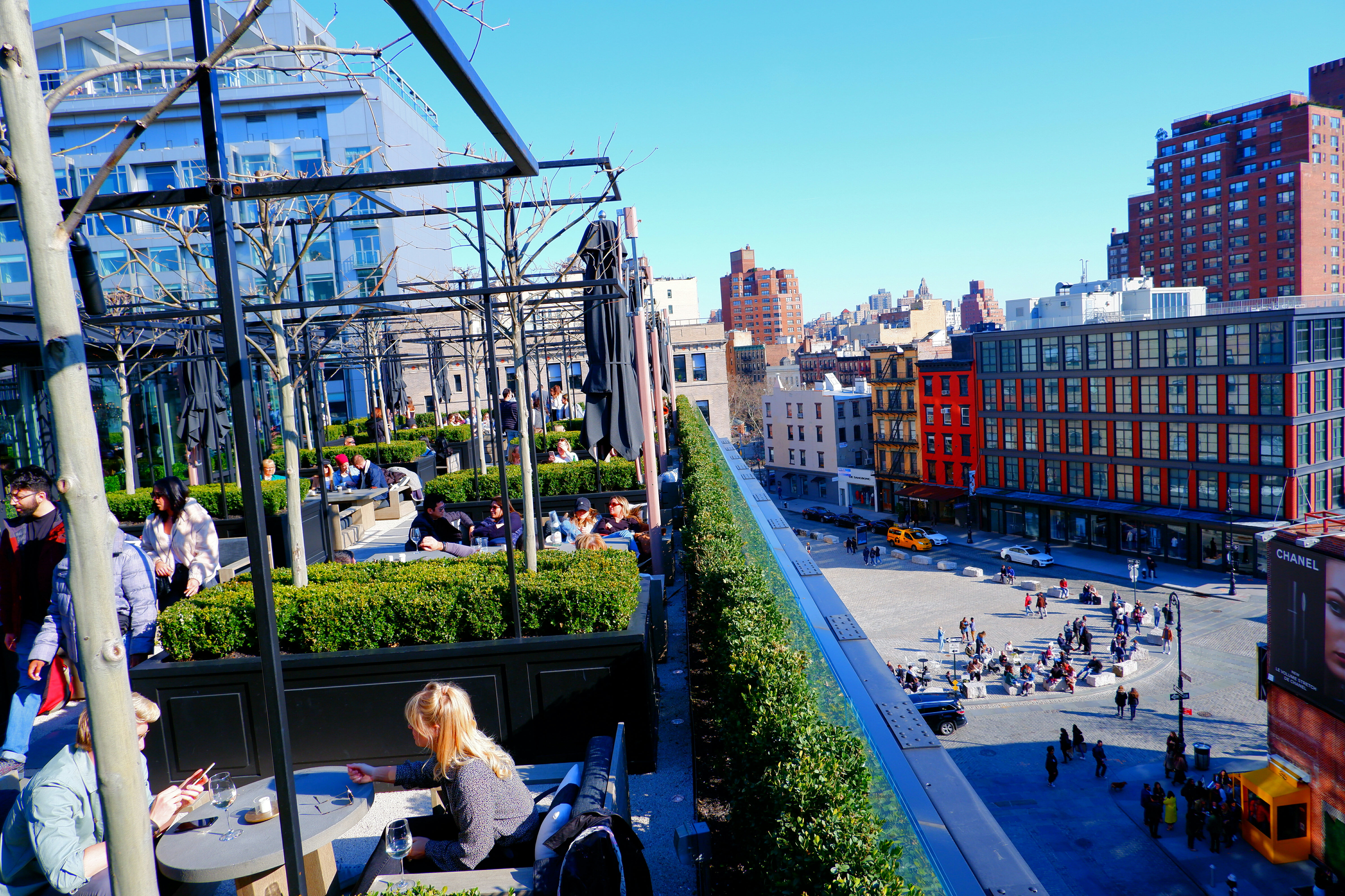 RH Store Rooftop in New York – High Quality Wallpaper