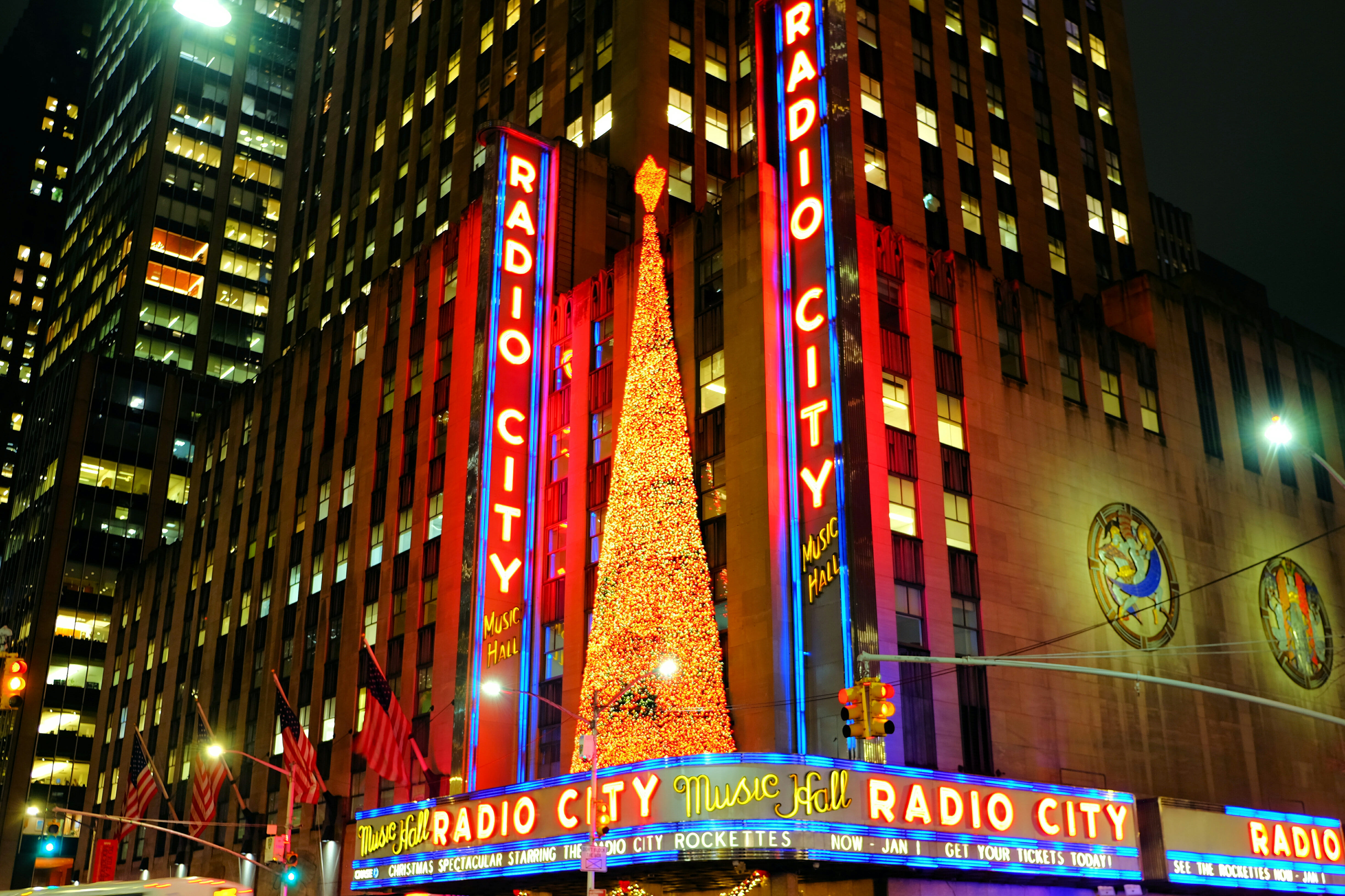 Radio City Music Hall in New York – High Quality Wallpaper