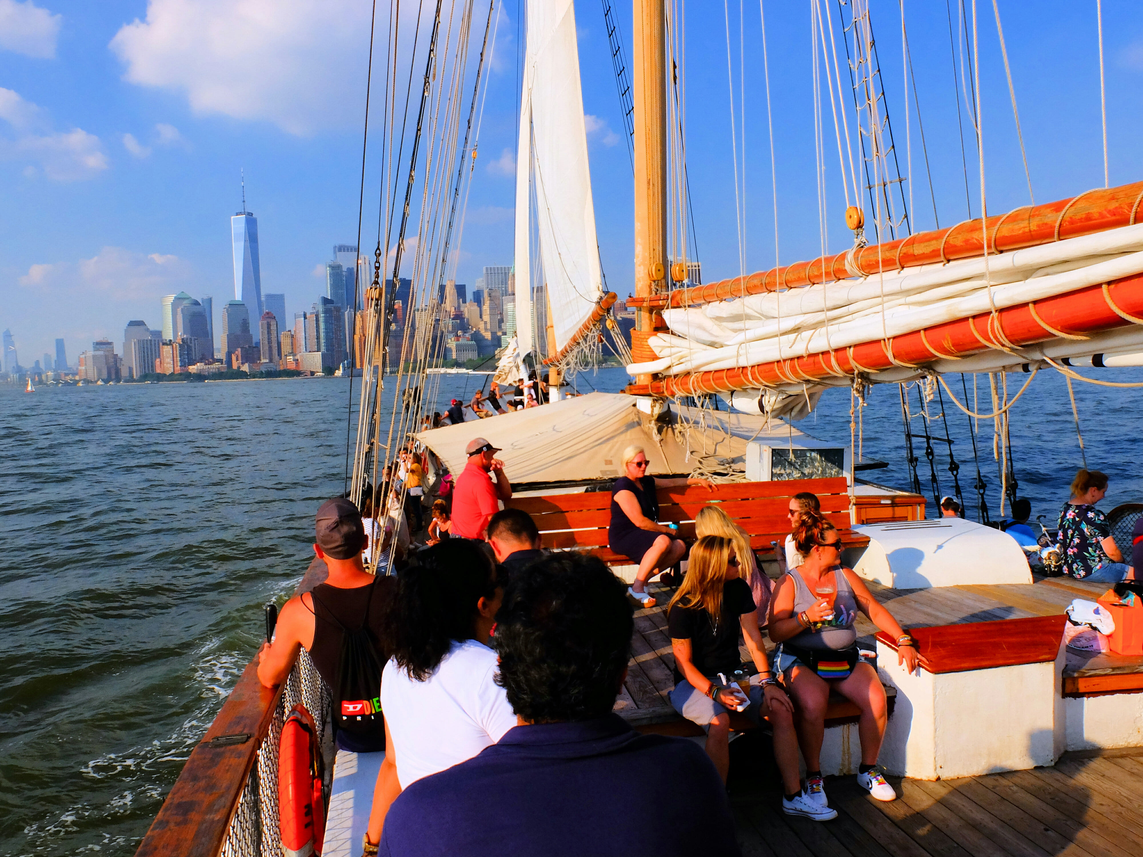 Sailboat New York City – High Quality Wallpaper
