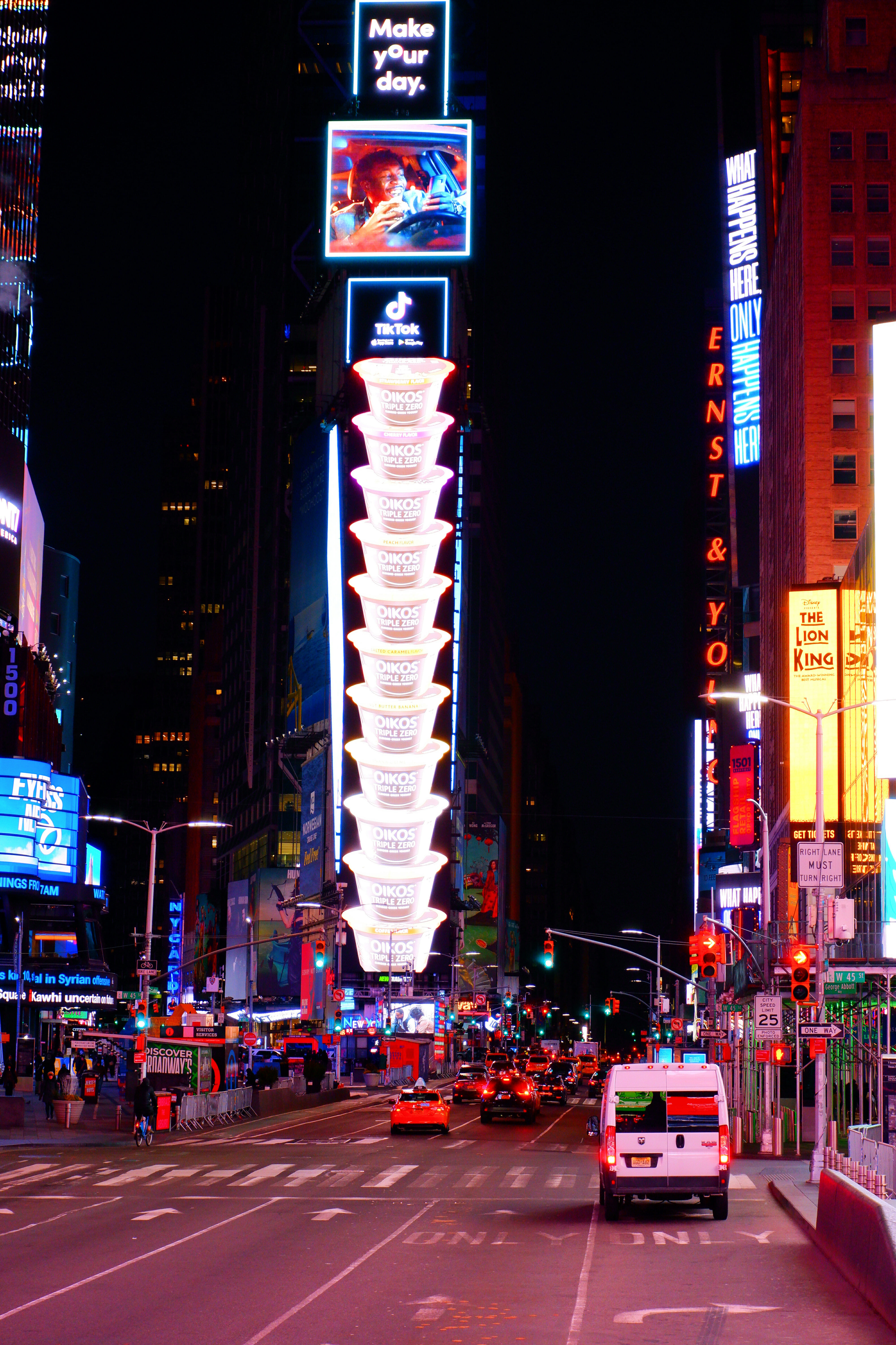 Times Square at Night – High Quality Wallpaper