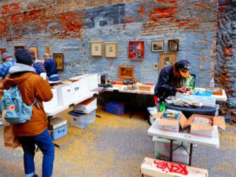 Flea markets in New York - Chelsea Flea